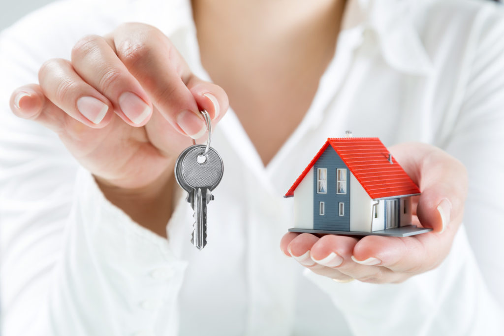 Should You Sell Your Home Before You Buy a New One we buy houses